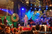 """Victoria Justice - Rehearsing for """"A Hollywood Christmas Celebration at The Grove"""""""