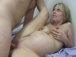 pregnant pussy squirts