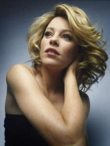 [IMG]http://img291.imagevenue.com/loc423/th_712484902_ElizabethBanks15_123_423lo.jpg[/IMG]