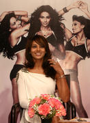 Бипаша Басу, фото 60. Bipasha Basu Launch of 'Love Yourself: Fit & Fabulous You' Fitness DVD in New Delhi on February 5, 2010, foto 60