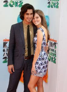 http://img291.imagevenue.com/loc505/th_335854594_CFF_Zoey_Deutch_Nickelodeons_25th_Annual_Kids_Choice_Awards_In_LA_March_31_2012_021_122_505lo.jpg