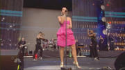 Nelly Furtado - Say It Right (Live @ Concert For Diana 01-07-2007)