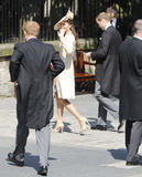 th_51912_celebrity_paradise.com_The_Duchess_of_Cambridge_Zara_wedding_109_122_539lo.jpg
