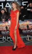 http://img291.imagevenue.com/loc64/th_376408631_AmyWillerton_olympus_has_fallen_uk_prem_022_122_64lo.jpg